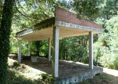 Venta casa en estructura con finca en Coirós