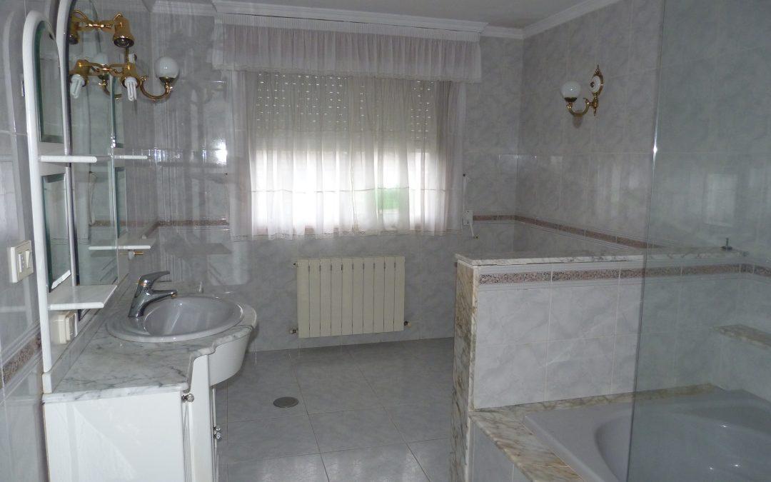 Alquiler piso amueblado 4 dormitorios en Bergondo