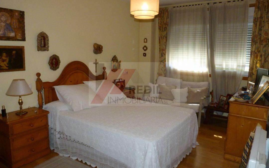 Venta piso 2 dormitorios y terraza en Sada