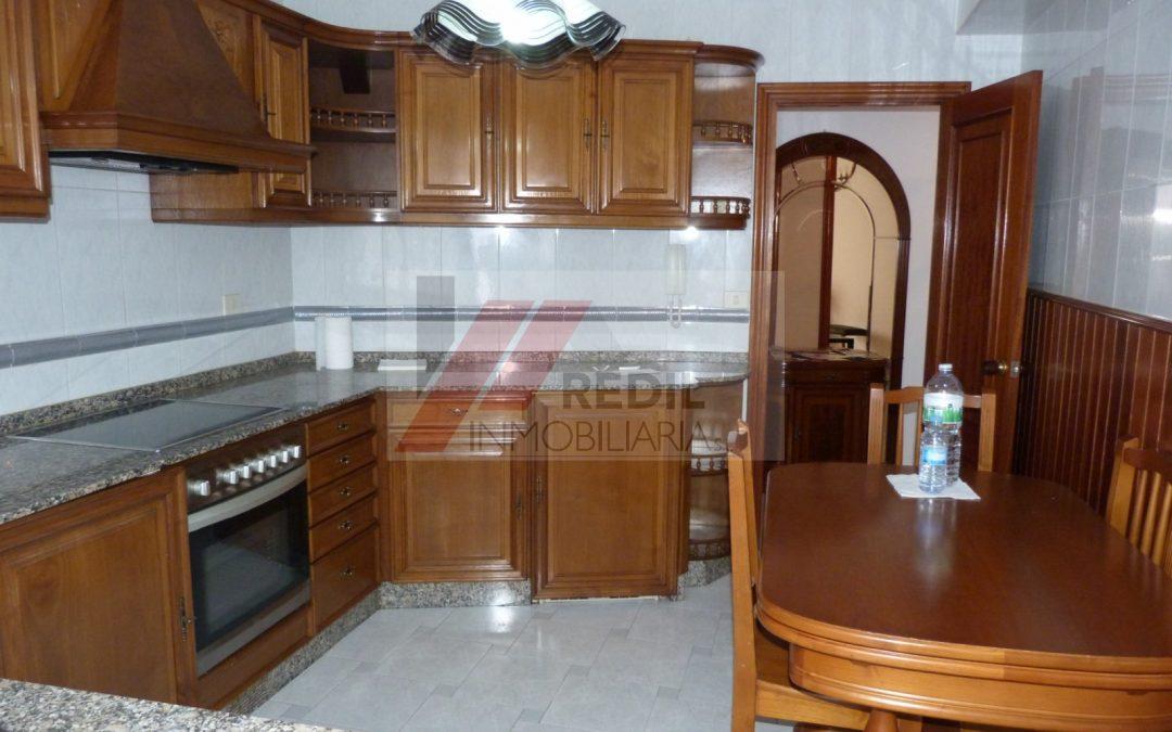 Alquiler piso 3 dormitorios y 2 baños en Betanzos