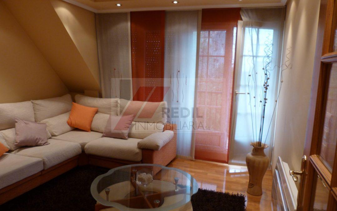 Alquiler atico 3 dormitorios con terraza en Betanzos