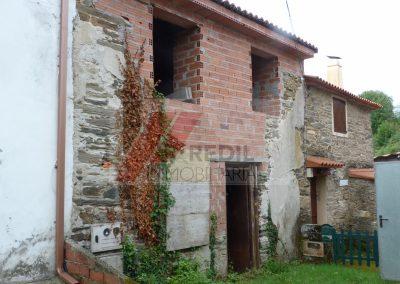 Venta casa de piedra para restaurar en Pontedeume